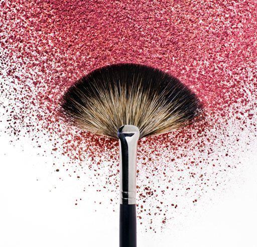 Ustensiles de maquillage propres